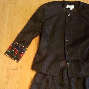 Silk studio holiday suit with beadedd sleeves 8